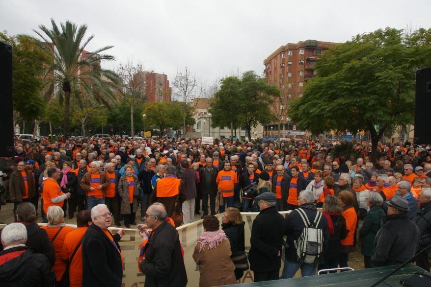 25 de Enero de 2014 Concentración Pensionistas y Jubilados de L'Hospitalet contra el recorte de las pensiones