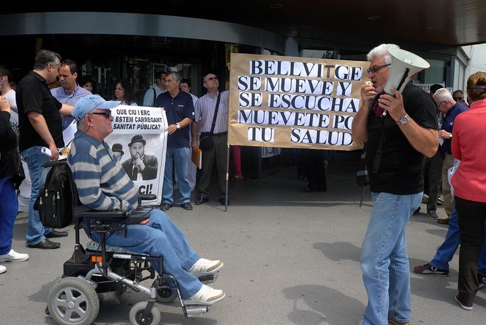 Todos los miércoles a las 13:00 horas Asamblea en la puerta  del Hospital de Bellvitge Contra los recortes en Sanidad y las listas de espera. La Sanidad no se vende se defiende. Vecino te esperamos